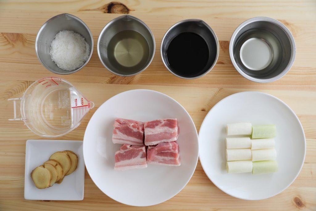 アイリスオーヤマの電気圧力鍋【KPC-MA2】レシピ「豚の角煮」材料