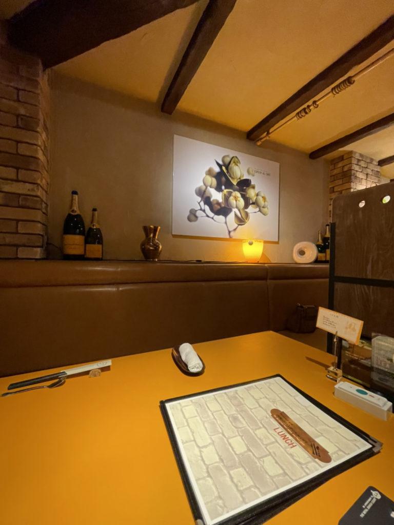 レストラン尾道レスポワールドゥカフェの店内